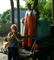 Summer delivery of whole fish to congregational shareholder, credit Jim Bazin